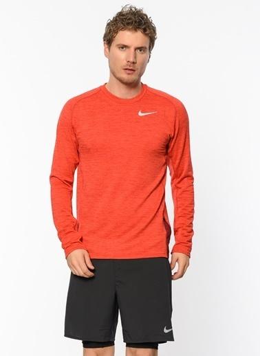 Nike Bisiklet Yaka Spor Sweatshirt Kırmızı